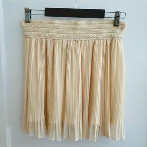 NEW Miss Avenue | L Cream pleated Mini Skirt
